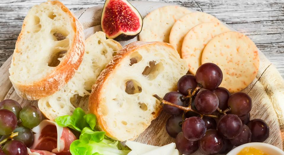 Charcuterie_BreadCrackers
