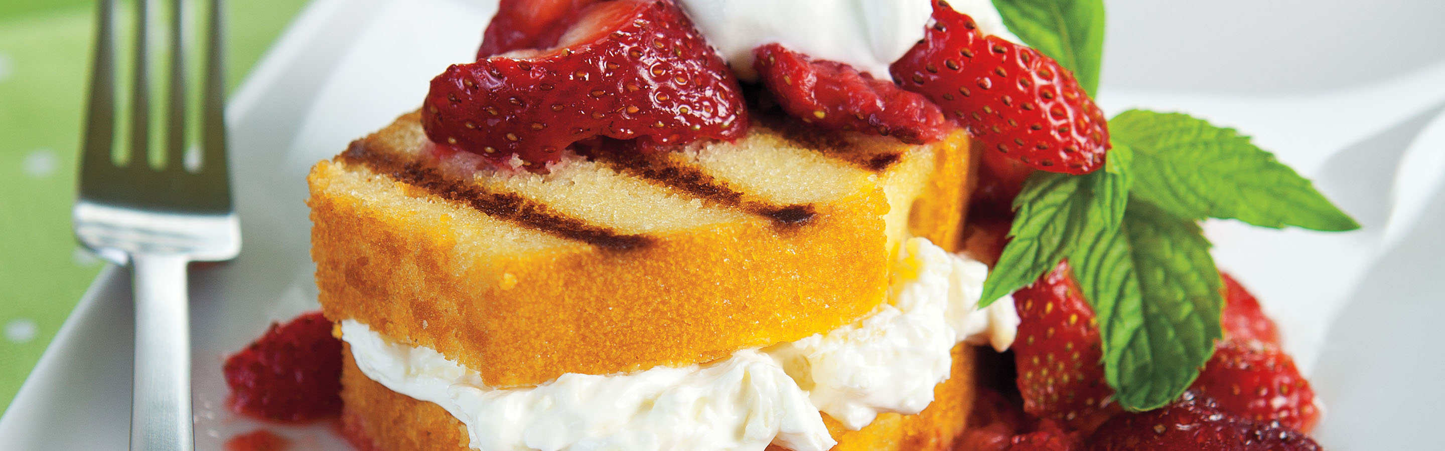 strawberries and cream grilled pound cake
