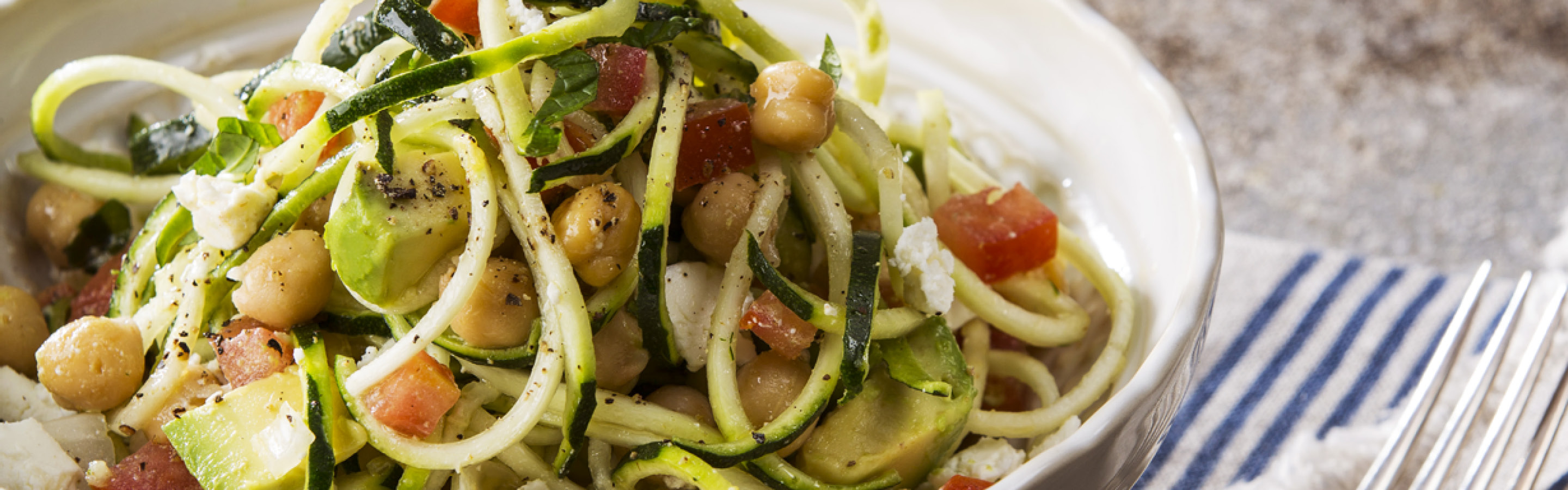 zoodle chickpea and avocado salad
